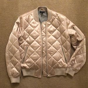 Topshop Jackets & Coats - Topshop Quilted Bomber Jacket size 6!